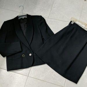 Black wool crepe suit